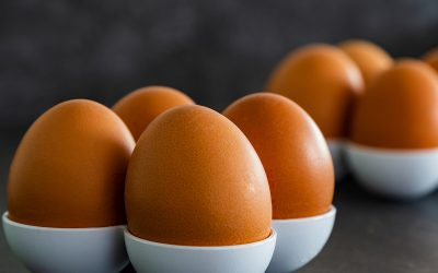 """""""Złote"""" jajka, masło i cukier"""