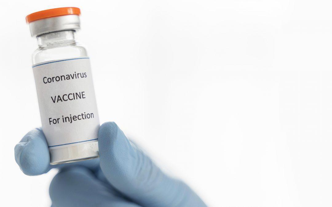 Вакцина для українців у Польщі та в Україні